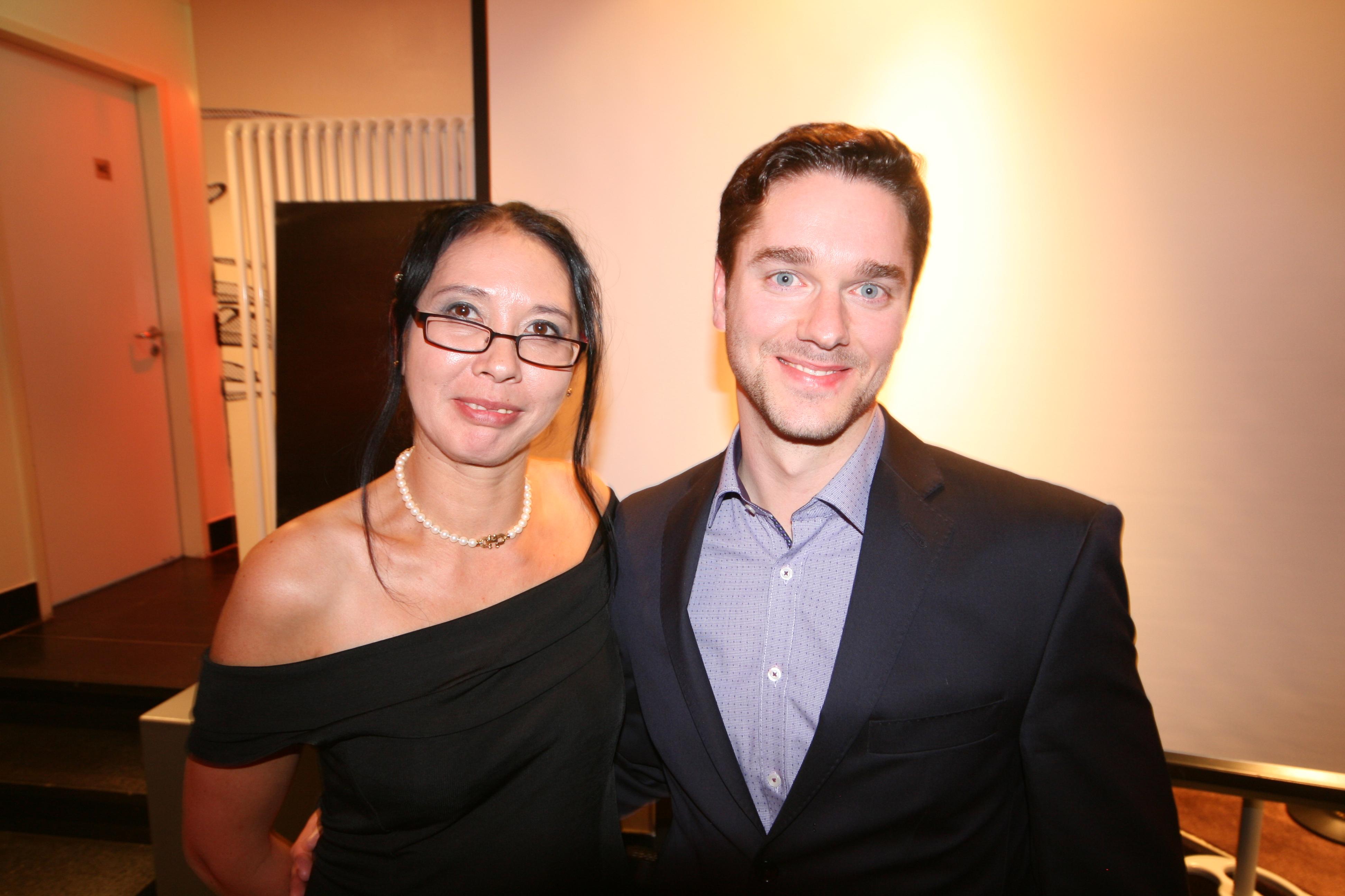 Demetria Cornfield mit Simon Geraedts (Horror-Jury und Gewinner)