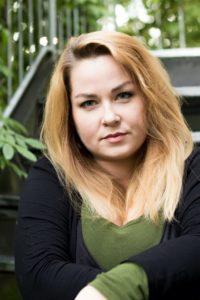 Portrait Julia Dippel