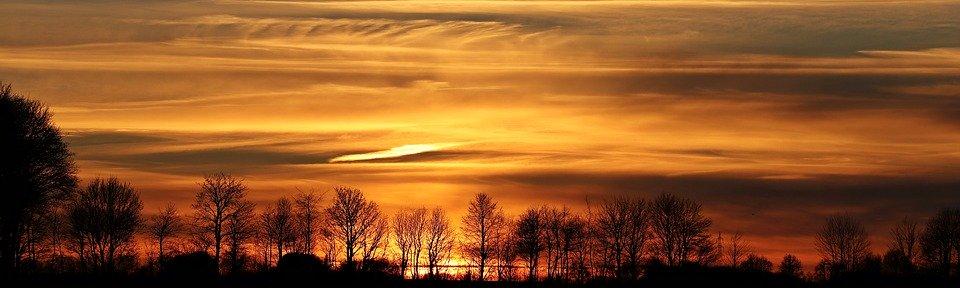 Brombeerprinzessin 5/5 - pixabay.com/photos/sunset-sun-evening-sky-clouds-2021266/
